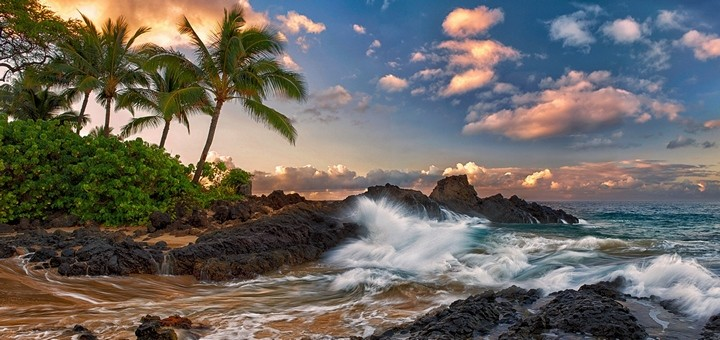 maui_hawaii_pacific_ocean_rock_surf_rocks_palm_trees_clouds_tropical_coast_82757_720