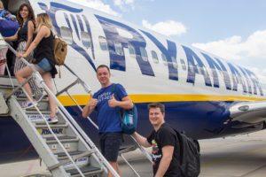 Ryanair выполнил первые рейсы в Одессу и Харьков! -